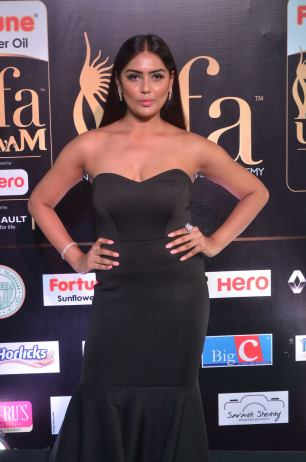 prajna hot at iifa 201711