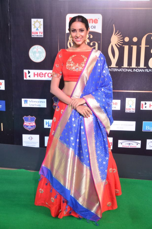 priya sree hot at iifa awards 2017DSC_85650001
