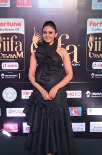 rakulpreetsingh hot at iifa awards 2017DSC_24060021