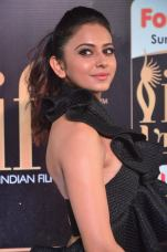 rakulpreetsingh hot at iifa awards 2017DSC_24790094