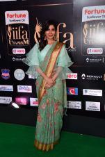 samantha hot at iifa awards 2017HAR_60440012