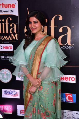 samantha hot at iifa awards 2017HAR_60720040
