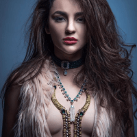 run raja run actress #SeeratKapoor goes topless