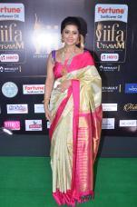 sneha in saree at iifa awards 2017DSC_68500014
