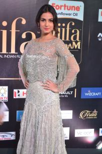 sonal chauhan hot at iifa awards 201734