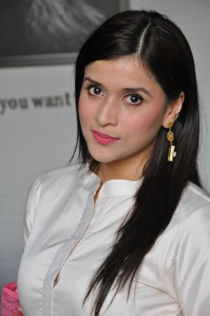 telugu actress mannara chopra hotDSC_0508