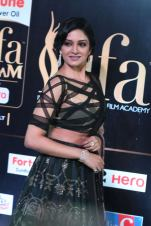 vimala raman hot at iifa awards 201714