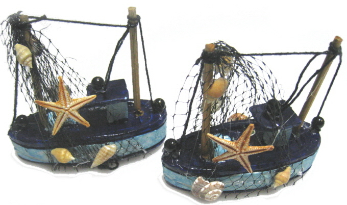 "Mini Painted Boat with Decor over Resin 3""W"