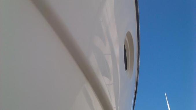application cire de protection bateau polish