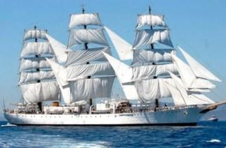 La Fragata Libertad inicia su viaje número 46