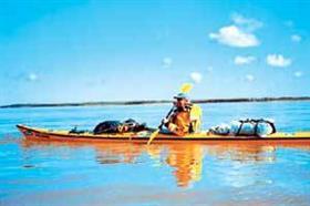 A los 78 años, navegó 2200 kilómetros del río Paraná en kayak