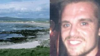 Surfeando en Escocia y apareció 32 horas después en las costas de Irlanda del Norte