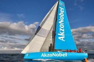 Team AkzoNobel ficha para la Volvo Ocean Race al navegante español Chuny