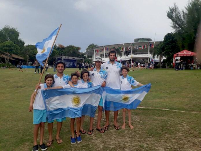 EQUIPO-ARGENTINO-TAILANDIA-+-ENTRENADORES-3