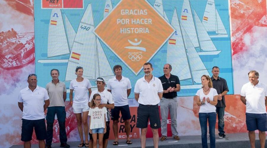 homenajea al equipo olímpico español de vela de Barcelona'92