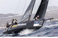 Peninsula Petroleum arrebata el liderato al Team Aqua en la RC44