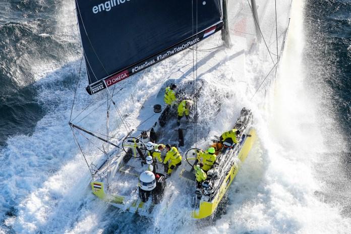 La flota de la Volvo Ocean Race ya vuela a más de 25 nudos
