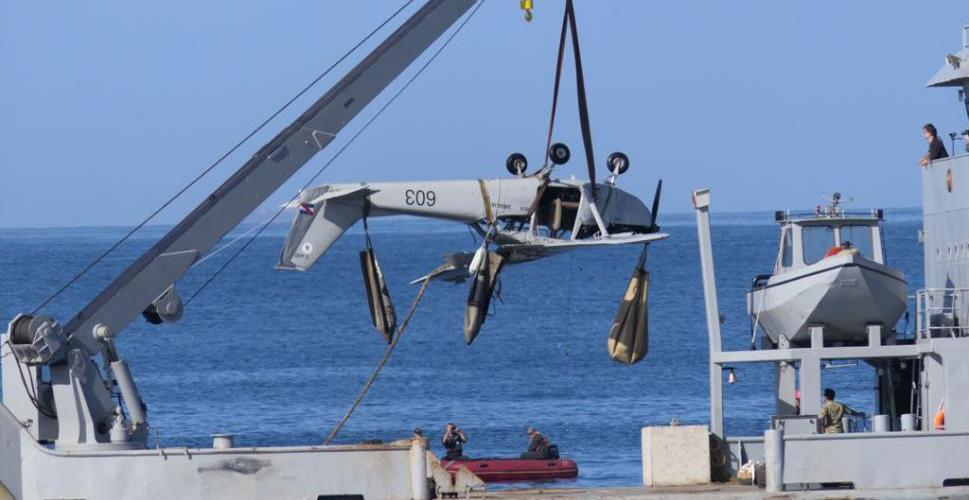 Rescataron el avión de la playa Mansa de Punta del Este