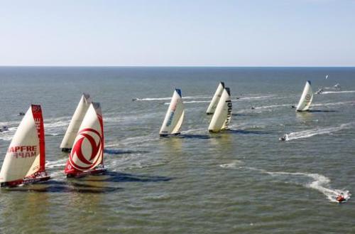 La flota sale de Itajaí hacia Newport