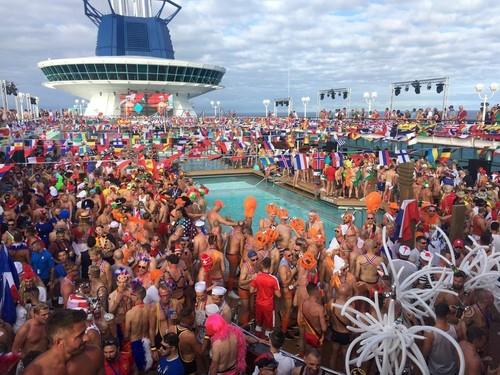 Couples Cruise: ocho días de fiesta y sexo en un crucero de lujo