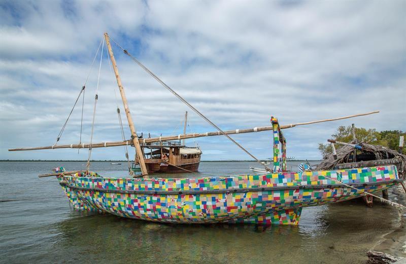 Flipflopi, el barco fabricado totalmente con desechos plásticos