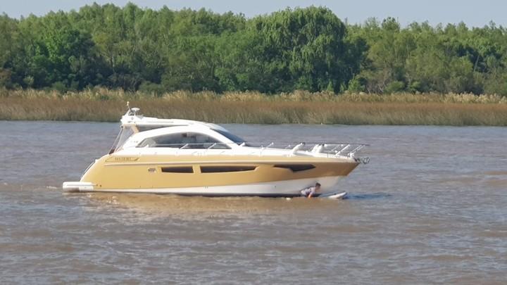 Accidente en el río, unbarco embistió a una lancha