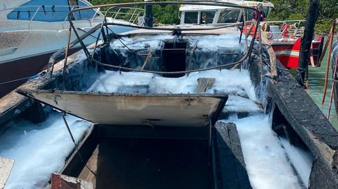 Incendio destruyó el barco de Perez Companc