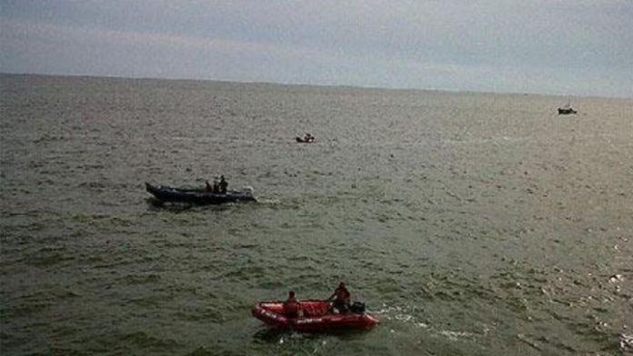 Cruzaron el Río de la Plata navegando y los detuvieron