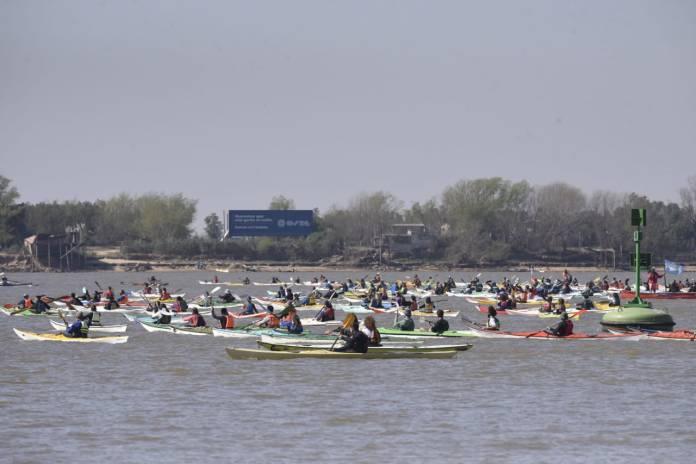 río Paraná en defensa de los humedales.