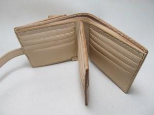 二つ折り財布ヌメウンコマーク
