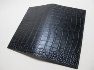型押しクロコダイル革ブラック