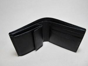 二つ折り財布黒内側小銭入れ