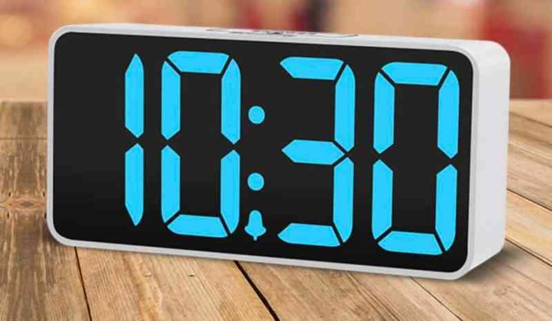שעון מעורר עם מספרים ענקיים