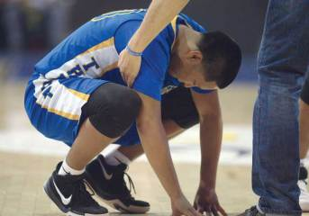 Navajo Times | Donovan Quintero Fort Thomas Apache Malachi Rogers reacts after losing the chance to win the Arizona 1A boys' state championship title Saturday against Gregory School.