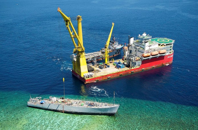 1200px guardian is salvaged from the tubbataha reef a - naval post- naval news and information