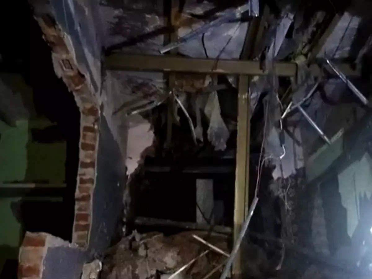 Building collapse in Agra: Building collapse during a birthday party in Agra