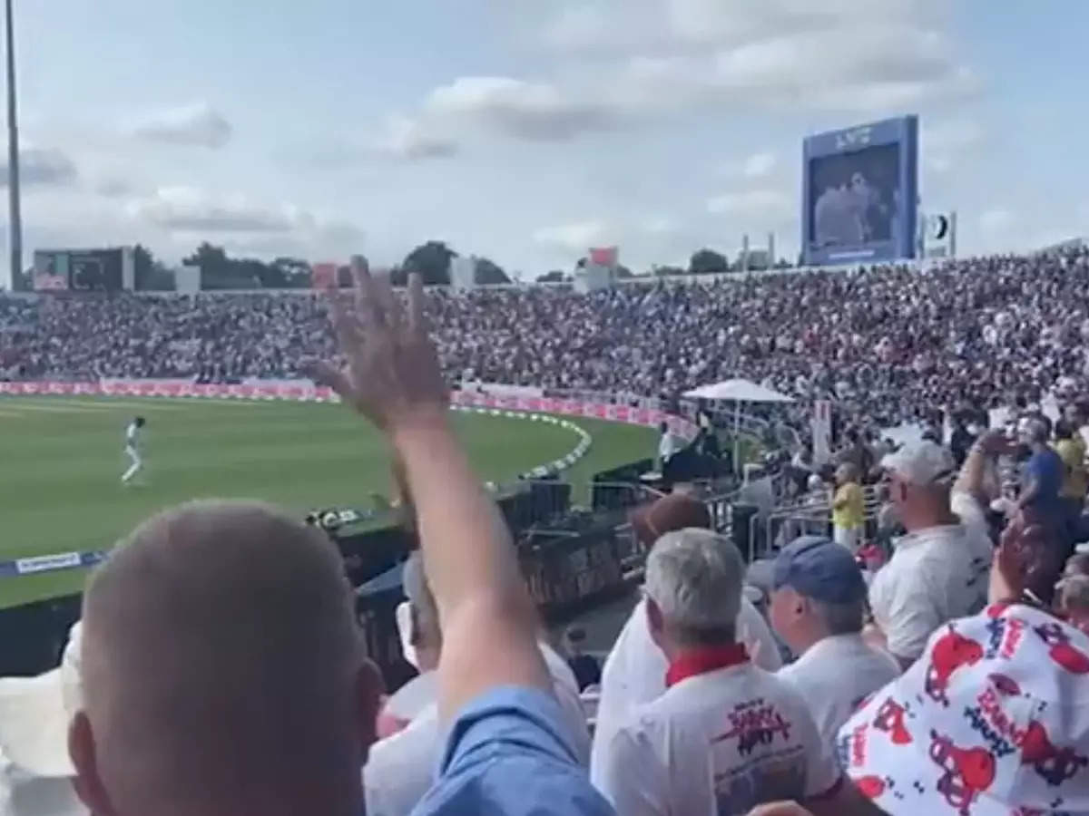England cricket fans say goodbye to Virat Kohli: Watch the video Chirio Cherio How England cricket fans sent Virat Kohli away;  Virat Kohli out of James Anderson in Day 1 of the third Test;  Cherio-Cherio … British fans say goodbye to Virat Kohli returning to pavilion, video goes viral