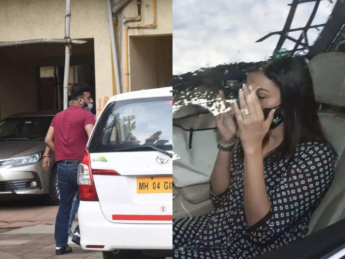 Shahbaz and Gauhar reach Siddharth's residence: Siddharth Shukla dies: News of Siddharth Shukla's death came around 11 am on Thursday.