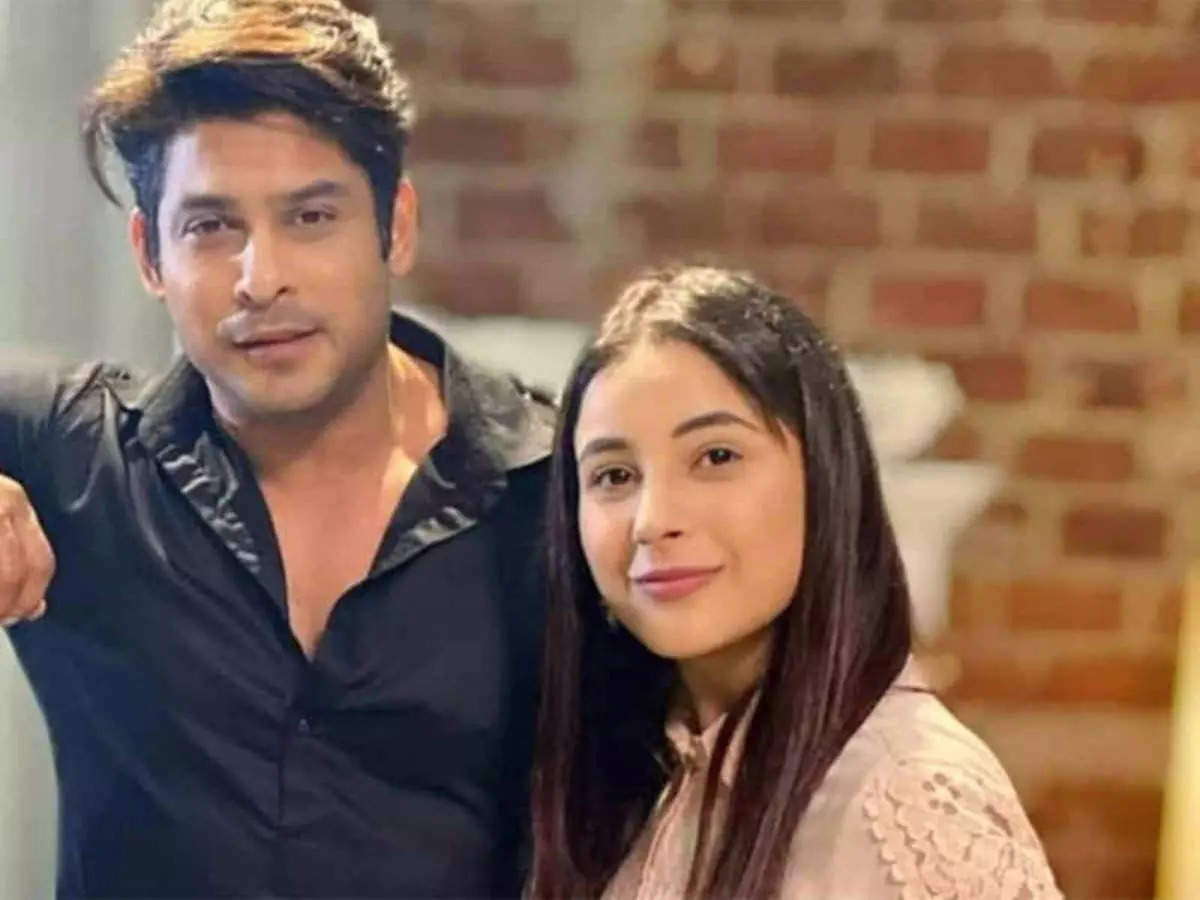 Shehnaz was on Siddharth's side during the death: Shehnaz Gill was present at the time of Siddharth Shukla's death, she took her last breath on her lap?  – Siddharth Shukla's death was allegedly by Shahnaz Gill's side, he slept on her lap and died