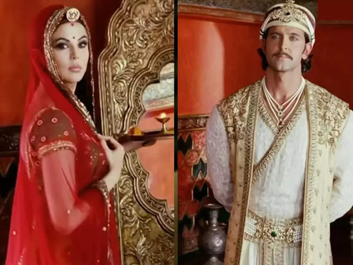 Rakhi Sawant Jodha in Akbar: Rakhi Sawant Aishwarya Rai Bachchan and Hrithik Roshan in the movie Jodha Akbar Video Clip: Rakhi Sawant appeared with Hrithik Roshan