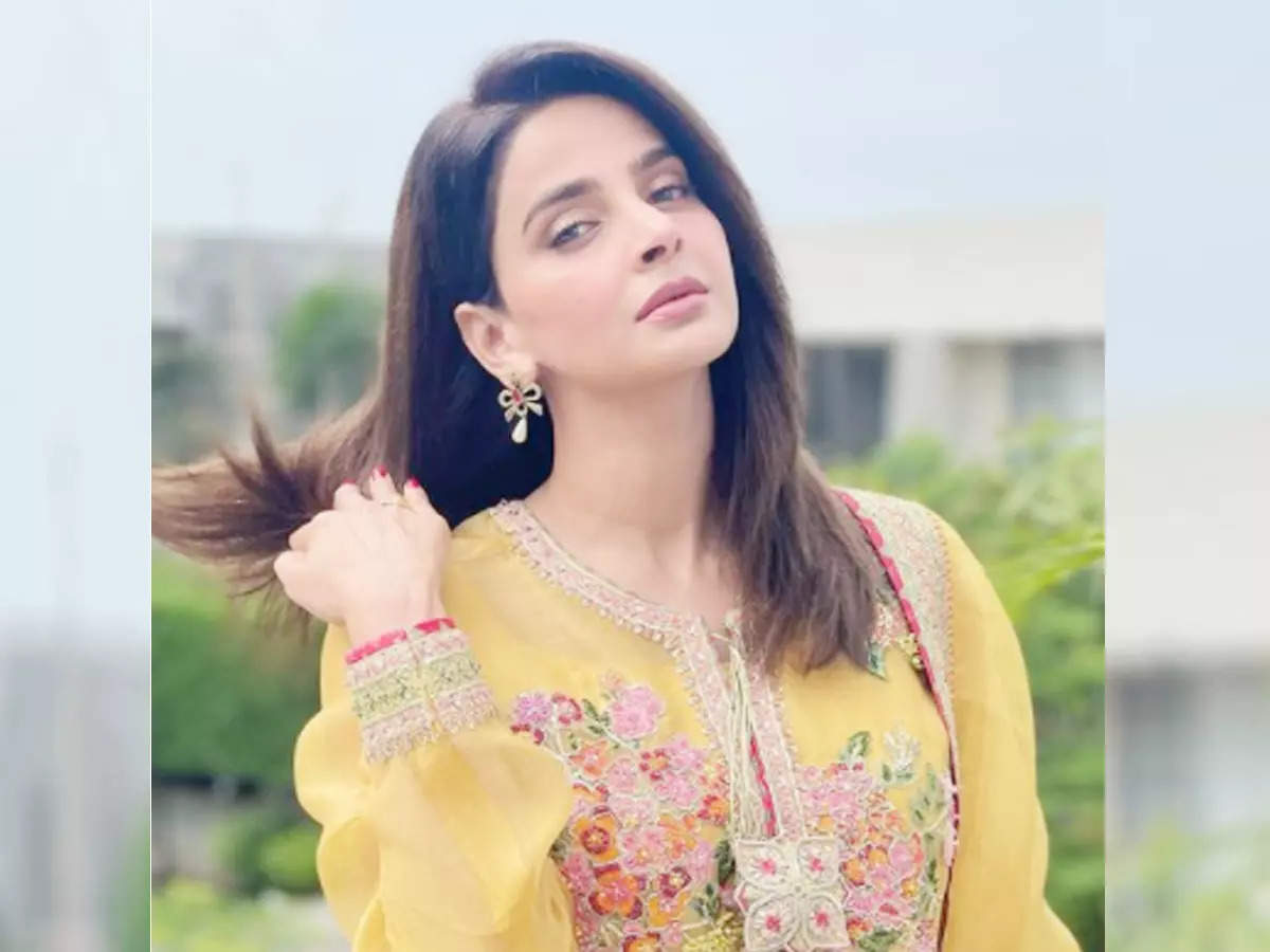 Hindi court issues arrest warrant against Saba Kamar: Pakistani court issues arrest warrant against Hindi media actress Saba Kamar