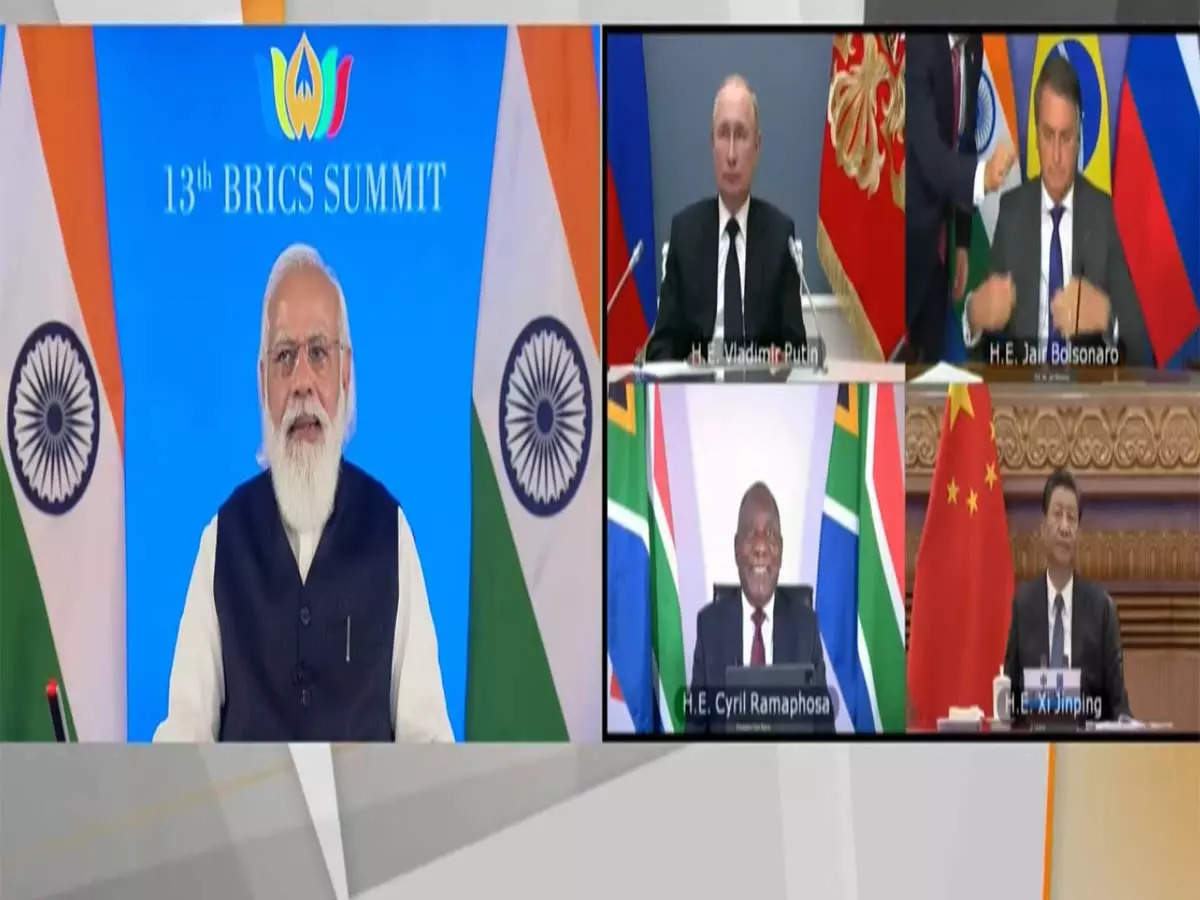 BRICS leaders remove earphones: PM Modi presides over 13th BRICS summit on Thursday Prominent leaders took off their earphones and started smiling?