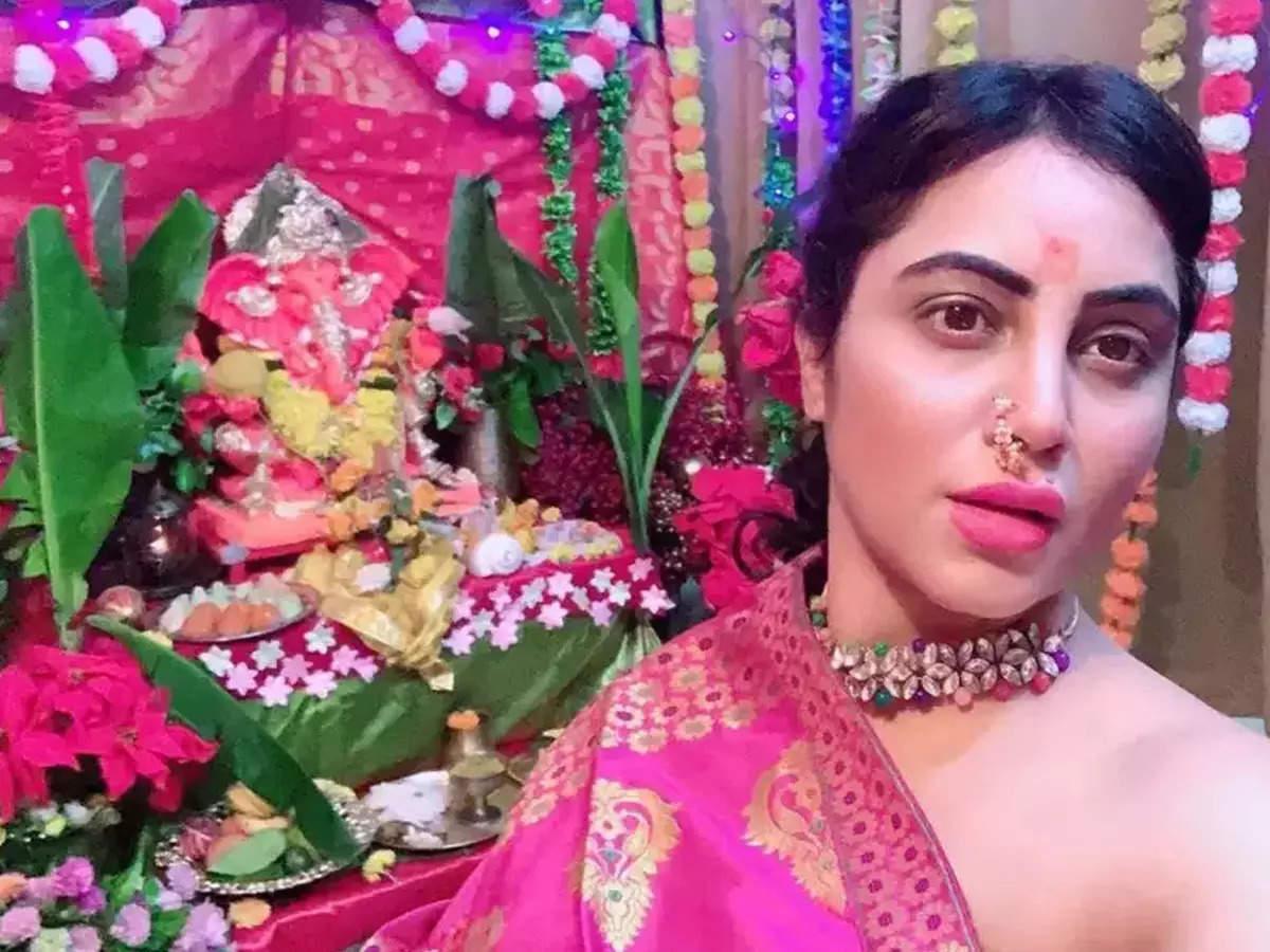 Arshi Khan Video Ganesh Chaturthi: Celebrating Ganesh Chaturthi made Arshi Khan a troll