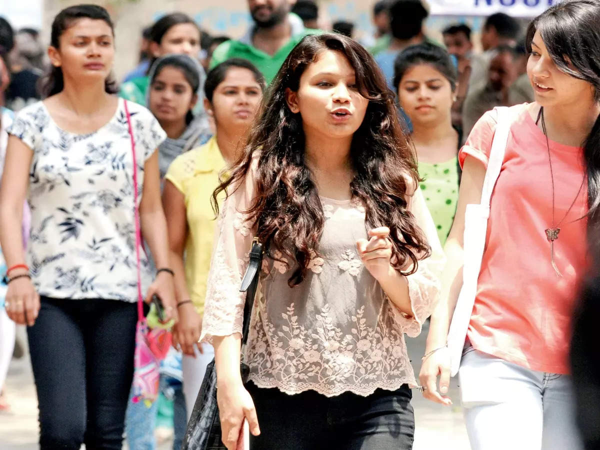 du 2nd cut off 2021: DU 2nd cut off 2021: DU 2nd cut-off Today, top colleges may close admissions, see schedule- list of du 2nd cut-off 2021 will be on du.ac.in, uod.ac .in .  , Check details