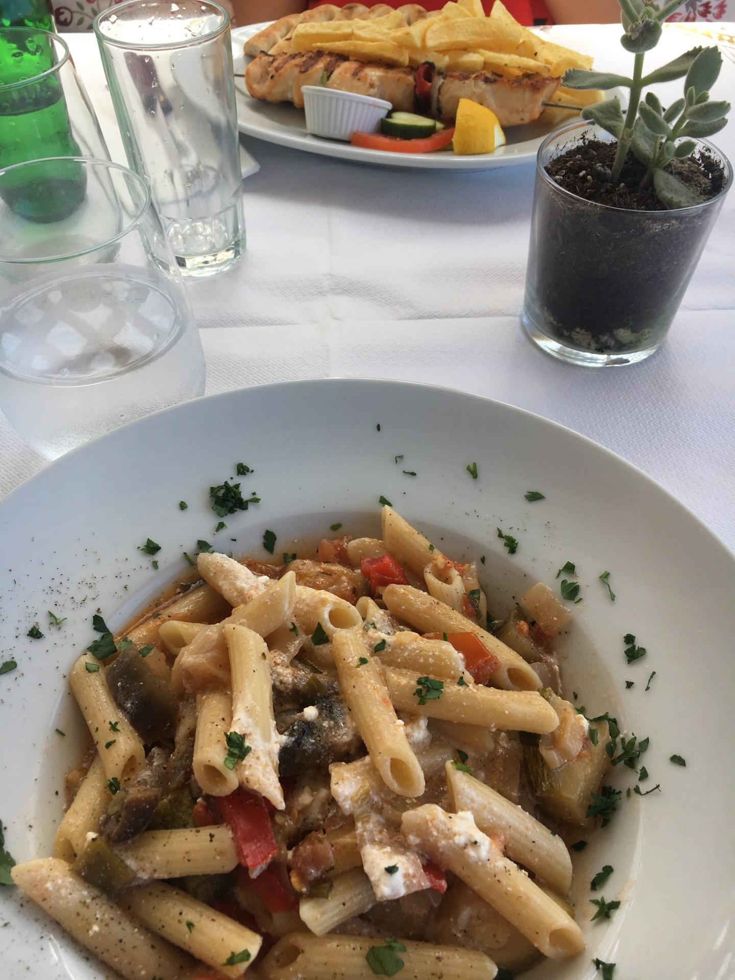 Restaurant proche de l'hotel à Santorin