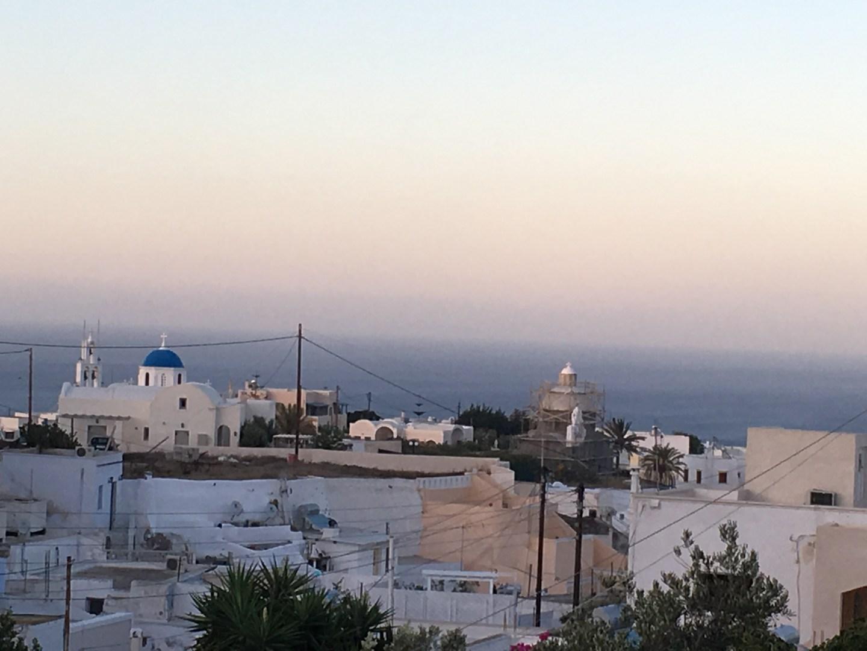 Vue de l'hotel à Santorin