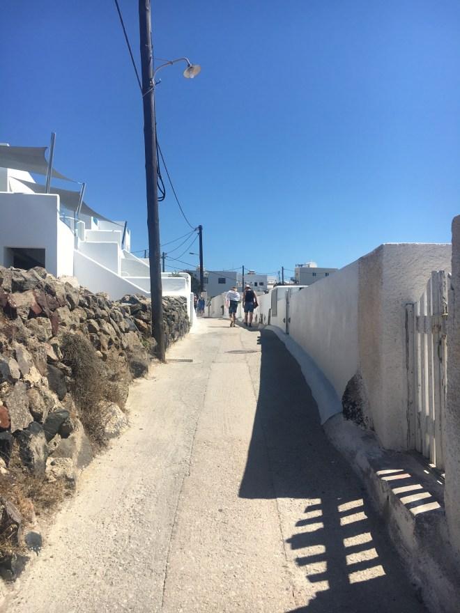 Chemin pour rejoindre Fira Santorin