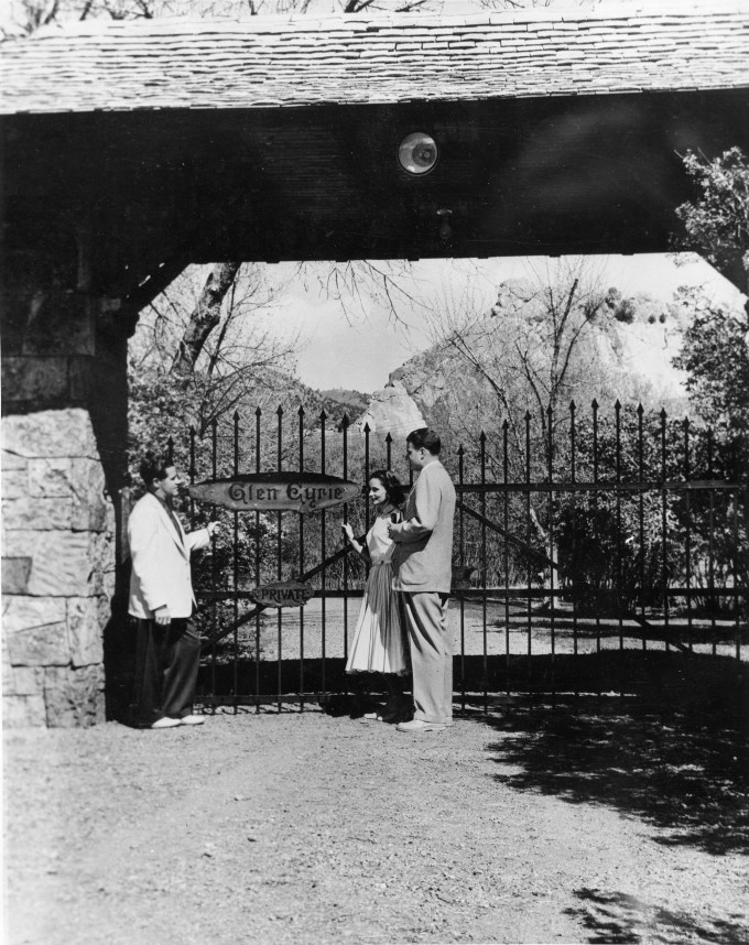 Dawson Trotman, Billy and Ruth Graham at Glen Eyrie Entrance 1953