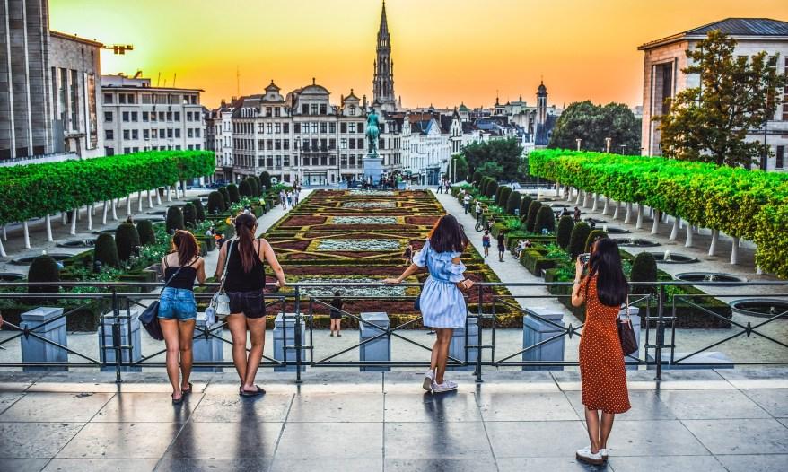 Girls in Brussels, mom's weekend getaway