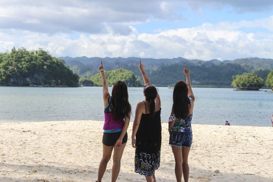 girls at the beach, West coast girls' trip